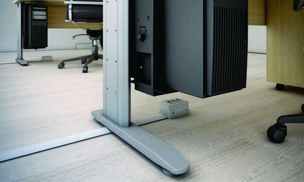 Canaleta de alumínio Dutotec Slim aplicada na sala